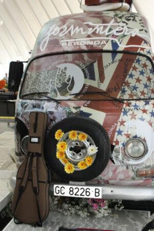 El arte de rotular un vehículo para un eventazo 7