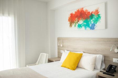 Rótulos potentes y tendencias en decoración para vestir el SUNNA Hotel de Benicàssim 4