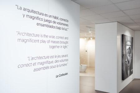 Cerámica Saloni confía en Promopublic para su nueva exposición 10