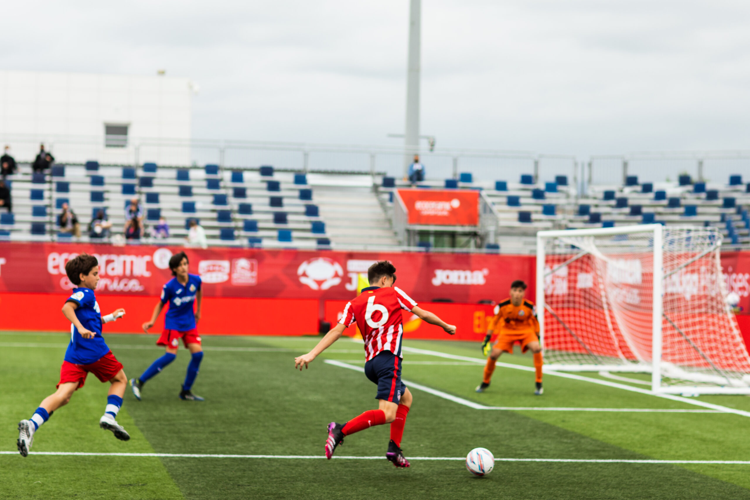 Imagen: Nos encargamos del branding y el montaje de La Liga Promises, el torneo de fútbol del que salen las estrellas del futuro